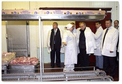 """Председатель правительства В.В.Путин на агрохолдинге """"ЕвроДон"""""""